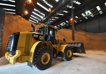 new CAT wheel loaders at Silvertown refinery